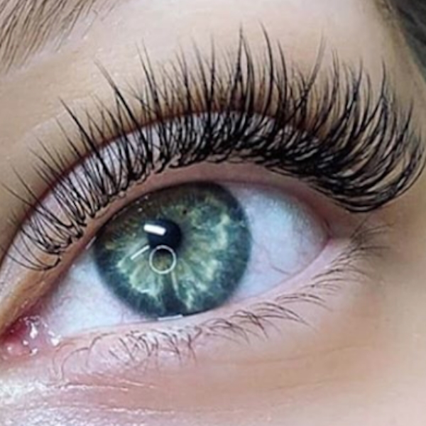 Heather Dyck Beauty Eyelash Extensions 5